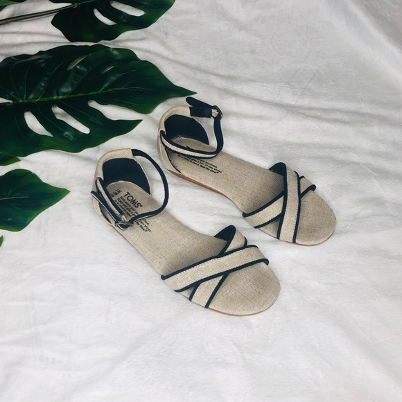 *TOMS* Correa sandals